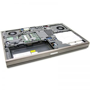 dell-precision-m4700-inside